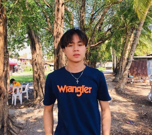 Netizens go crazy with this TikTok star from the Philippines who looks like BTS' Jimin - Long lost brothers!! 1