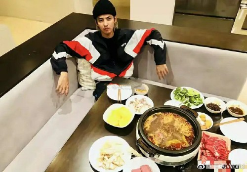 Kris Wu's super villa was revealed in the midst of a scandal, including a princess bed that confused netizens. 3
