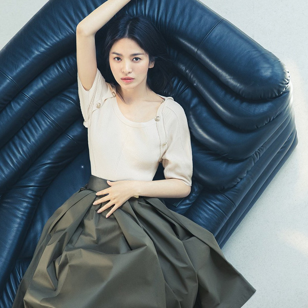 Song Hye Kyo caused a storm with her top-notch beauty, but on the day her ex-husband Song Joong Ki was involved in a scandal. 3
