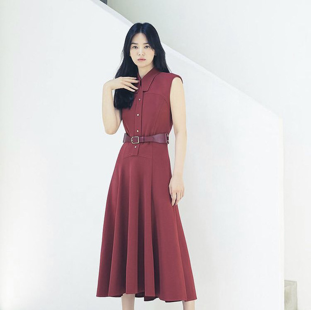 Song Hye Kyo caused a storm with her top-notch beauty, but on the day her ex-husband Song Joong Ki was involved in a scandal. 1