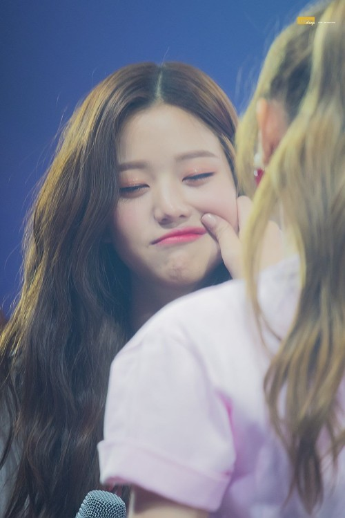 7 Female Idols Known For Their Ridiculously Cute Chubby Cheeks 4