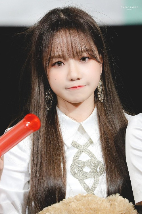 7 Female Idols Known For Their Ridiculously Cute Chubby Cheeks 8