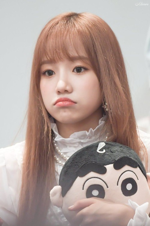 7 Female Idols Known For Their Ridiculously Cute Chubby Cheeks 7