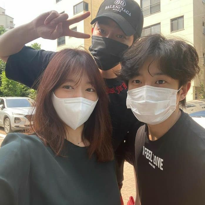 Park Shin Hye posted pictures with Doctors 2016 team, Doctors is going to have a Season 2? 1
