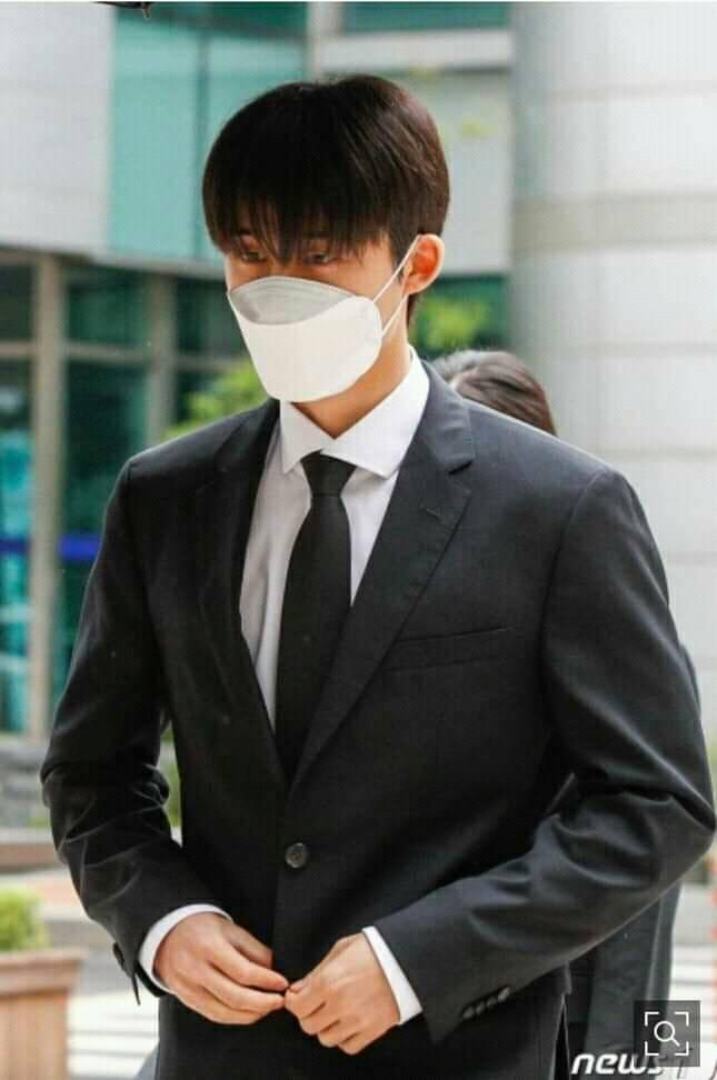 iKON BI bows his head in apologies and admits to all charges during the first illegal drug use court hearing and may face up to 3 years in prison! 2