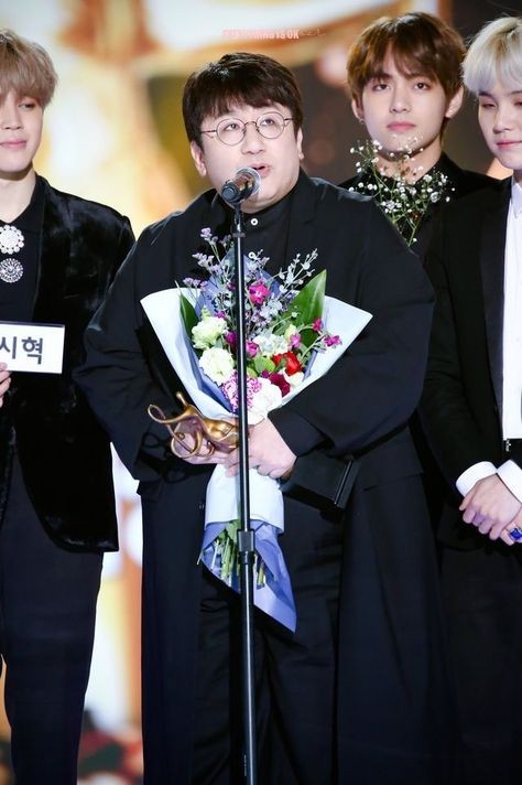 Portrait of the richest man in Kpop, The man who holds Kbiz in his hand! 4