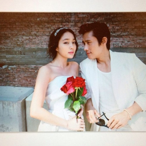 Posting beautiful wedding photos, Lee Min Jung and Lee Byung Hun celebrate their 8th wedding anniversary!! 1