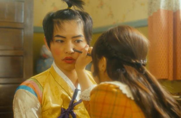 Revealing images that make Song Joong Ki and Kim Soo Hyun NEVER WANT ANYONE TO SEE!! 3