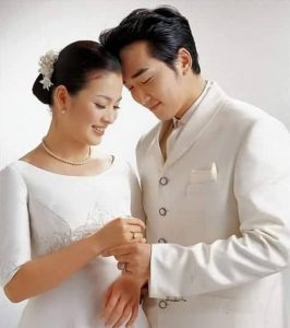The reason why Song Hye kyo and Song Seung Heon broke up and the reason why fans now want the couple to date again and have 'Autumn in My Heart' season 2? 3