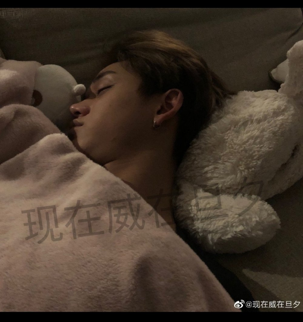 BREAKING- NCT's Lucas admits to cheating on many girlfriends, Announcement to suspending working! 1