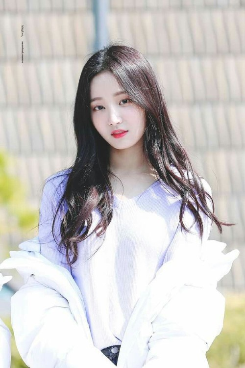 Who is Yeonwoo – The female idol who was denied by Lee Min Ho after Dispatch reported that he was dating her? 1