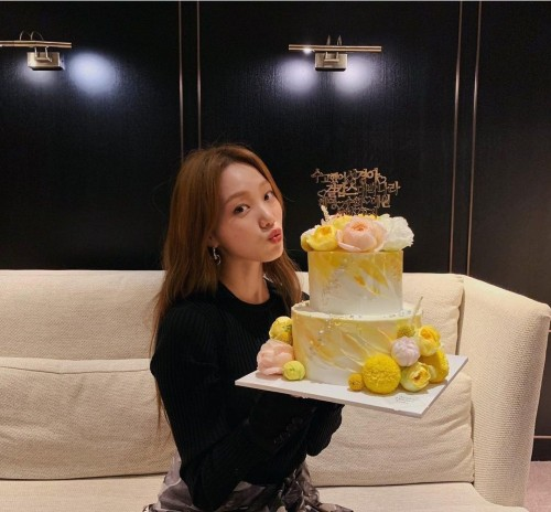 Kbiz today: Lee Sung Kyung celebrates her 31st birthday, Nam Joo Hyuk excellently climbed to 6th place in Top Most Followed Korean Actors On Instagram! 1
