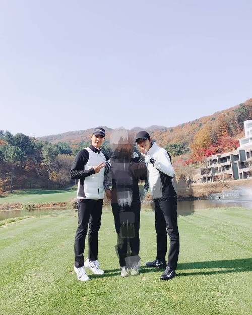 HOT- Park Shin Hye and Choi Tae Joon go on a date to play golf together! 1