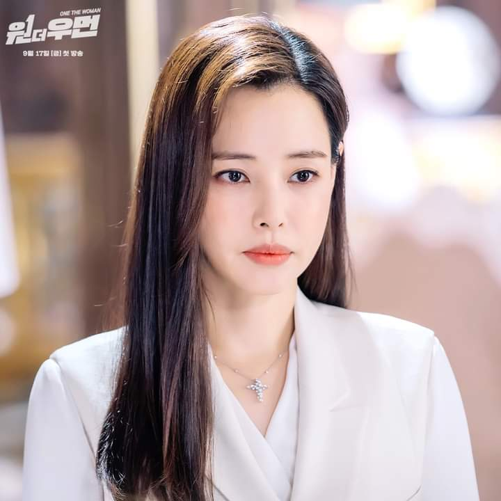 """Lee HaNee - """"One The Woman"""