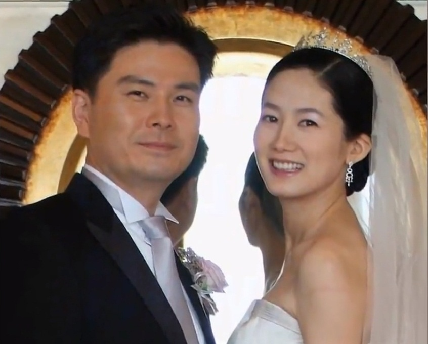 Jeong Ho Young and Lee Young Ae