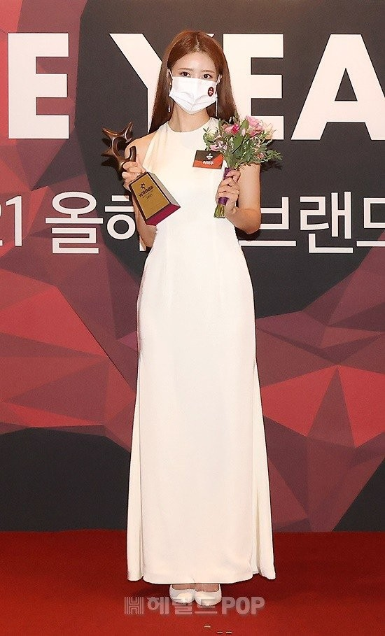 HOT- Cha Eun Woo, Yoo Jae Suk and the stars landed on the red carpet 2021 Brand of The Year Awards!! 4