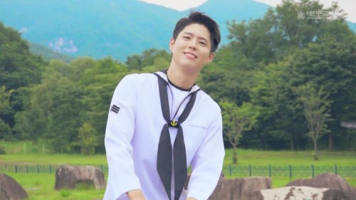 Park Bo Gum appeared as a navy soldier playing the piano, making fans fall in love with being so handsome. 3