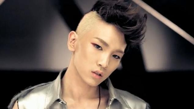 SHINee Key's partly bald hairstyle for 'Lucifer'