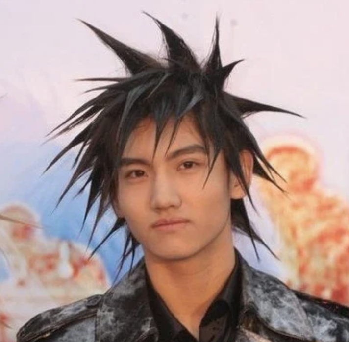 TVXQ Changmin's revolutionary spikes hairstyle
