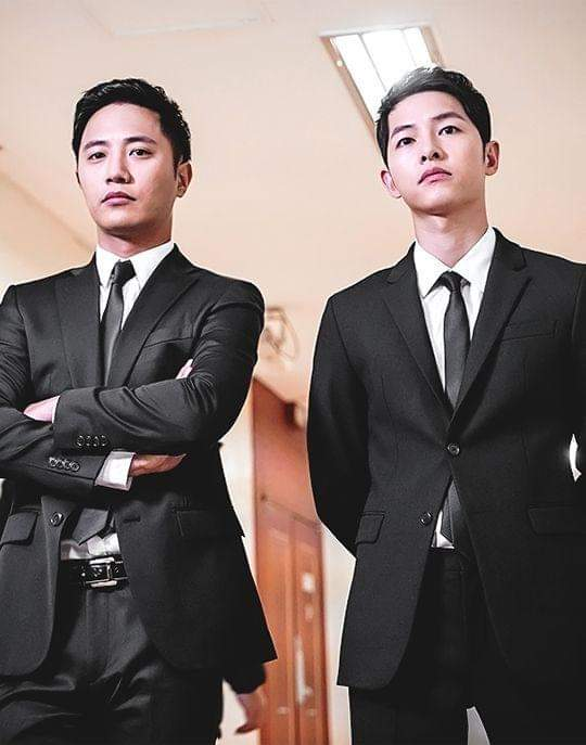 Descendants of the Sun – Song Joong Ki and Jin Goo