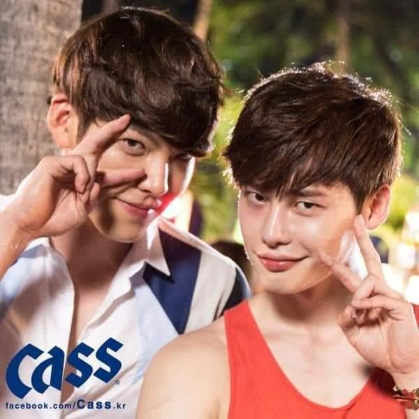 School 2013 – Lee Jong Suk and Kim Woo Bin