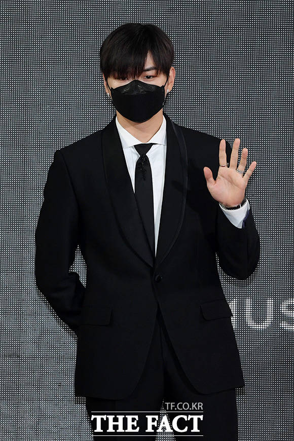The Fact Music Awards 2021:BTS, Kang Daniel, Kim Bum and the stars explode the red carpet!! 4